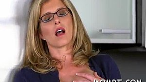 söt Adri avsugning Analsex med kondom